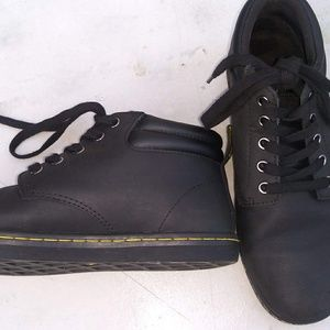 Doc Marten's casual leather sneaker